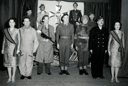 Військовий театр «Львівської хвилі» в постановці «Trzymajfason». 1945 рік